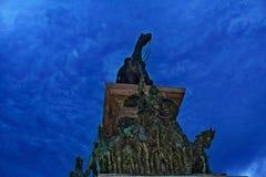 索非亚纪念碑晚上场面保加利亚 图库摄影