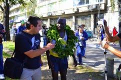 索非亚马拉松优胜者采访 免版税库存照片