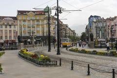 索非亚,保加利亚, 2016年4月14日:在狮子桥梁的交通 库存图片