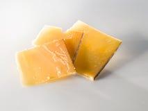 非常在切片的老乳酪 库存图片