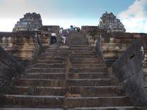 非常在茶胶寺寺庙的陡峭的石楼梯 库存照片
