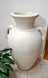非常大空白瓦器花瓶 库存图片