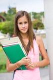 非常户外逗人喜爱的新学员女孩。 图库摄影