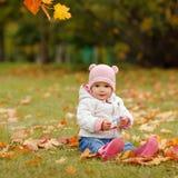 非常有大棕色眼睛和桃红色的迷人的美丽的小女孩 库存图片