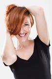 非常有性感的表示的愉快的红头发人妇女 免版税库存图片