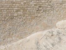 非常沙子石头块老墙壁  免版税库存图片