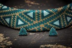 非常美丽的串珠的项链 妇女的装饰 免版税库存图片
