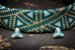 非常美丽的串珠的项链 免版税库存照片