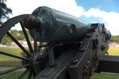 非常老火炮教规在公园 库存照片