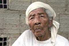 非常起皱纹的老巴西妇女画象  免版税图库摄影