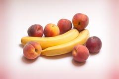 非常鲜美香蕉桃子natyutmotr 免版税图库摄影