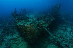 非常从1800 `的老船击毁s在礁石里面 免版税库存照片