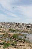 非法的垃圾堆积场 免版税库存图片