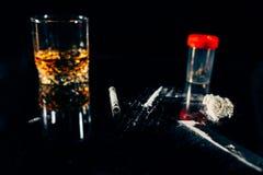 非法药物和恶习 免版税库存图片