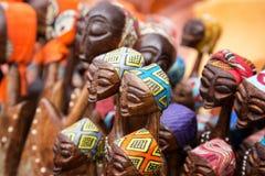 非洲人被雕刻的小组妇女 图库摄影