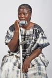 非洲无效老妇人 免版税库存图片