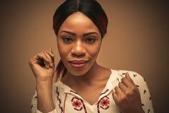 非洲美丽的妇女 画象 关闭 图库摄影
