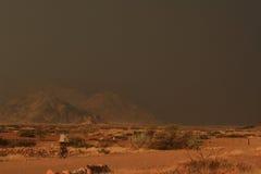 非洲自行车男孩纳米比亚 免版税库存照片