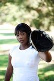 非洲裔美国人的棒球手套妇女年轻人 免版税库存照片
