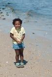 非洲裔美国人的海滩女孩年轻人 免版税图库摄影