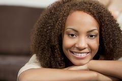 非洲裔美国人的美丽的女孩混合的族&# 库存图片