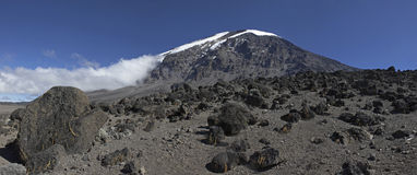 非洲kilimanjaro mt屋顶 免版税库存图片