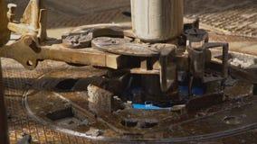 非磁性钻环和滑动在轮盘里 影视素材