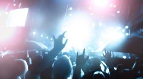 非被聚焦的音乐会人群 免版税库存照片
