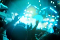 非被聚焦的音乐会人群 免版税图库摄影