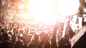 非被聚焦的音乐会人群 免版税库存图片