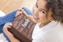 非裔美国人的女孩儿童图书象册 免版税库存图片