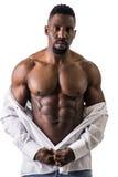 非裔美国人的爱好健美者人,赤裸肌肉躯干 免版税库存照片
