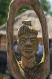 非洲人手工造木头被雕刻的人形象 免版税图库摄影