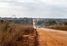 非洲多灰尘的路 免版税图库摄影