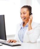 非洲女性热线服务电话操作员 免版税库存图片