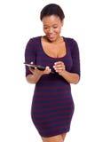 非洲妇女片剂个人计算机 免版税图库摄影