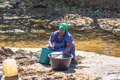 非洲妇女的坚硬生活 免版税库存照片