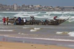 非洲捕鱼船。渔夫 免版税库存照片