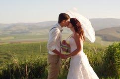 非洲新娘和新郎风景 免版税库存图片