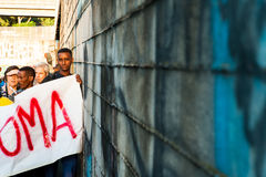 非洲移民行军请求难民的罗马,意大利, 2015年9月11日好客 免版税库存照片