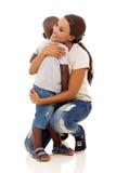 非洲男孩母亲 免版税库存照片