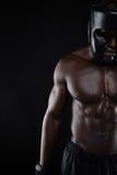 非洲男性拳击手的强健的身体 库存图片