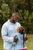 非洲裔美国人的女儿父亲 免版税库存照片