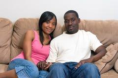 非洲裔美国人的有吸引力的夫妇 免版税库存照片