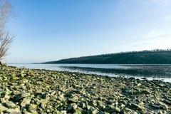 靠岸在海岛Khortytsya的岸 免版税图库摄影