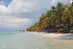 靠岸在海洋海岸Trou辅助比谢,毛里求斯 库存图片
