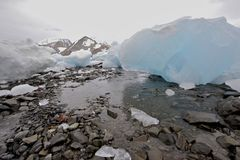 靠岸的冰山 库存图片