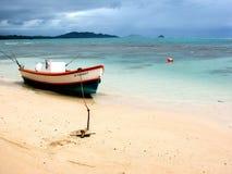 靠岸的小船 免版税图库摄影