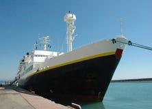 靠码头的船 库存图片
