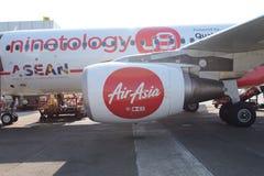靠码头的亚洲航空喷气机航空公司 免版税库存照片